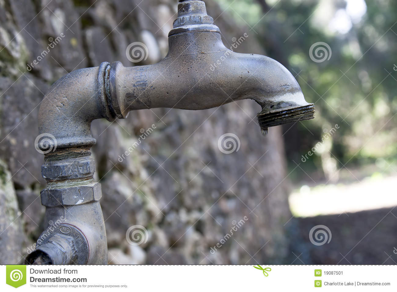 Outdoor Faucet Stock Images - 3,403 Photos