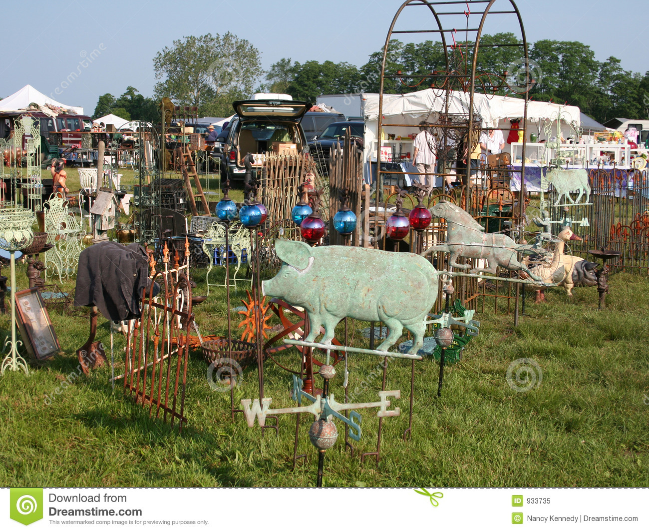 Outdoor Flea Market Royalty Free Stock Photo - Image: 933735
