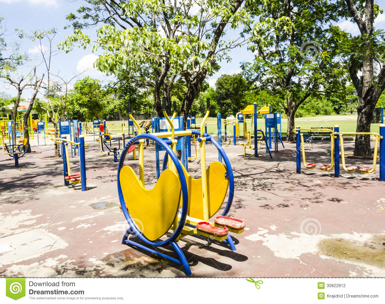 Outdoor gym stock photography image 30822812 for Gimnasio al aire libre