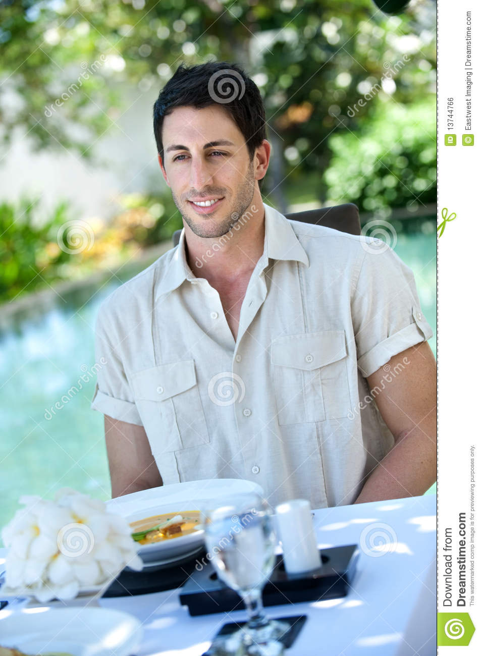 Outdoor meal royalty free stock image image 13744766 for Meal outdoors