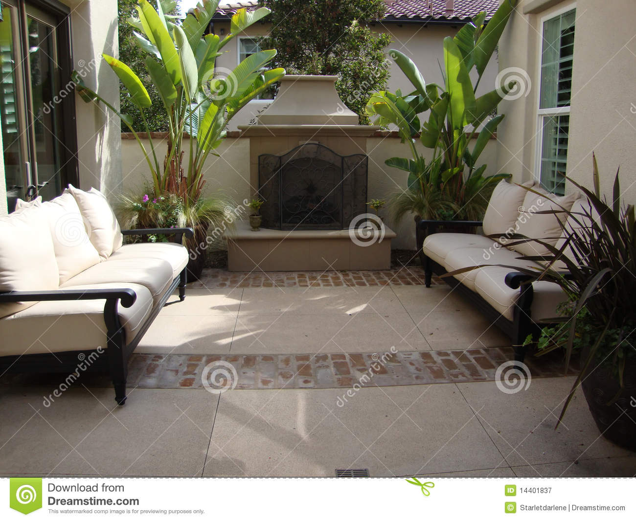 Outdoor Patio And Fireplace Royalty Free Stock Photography