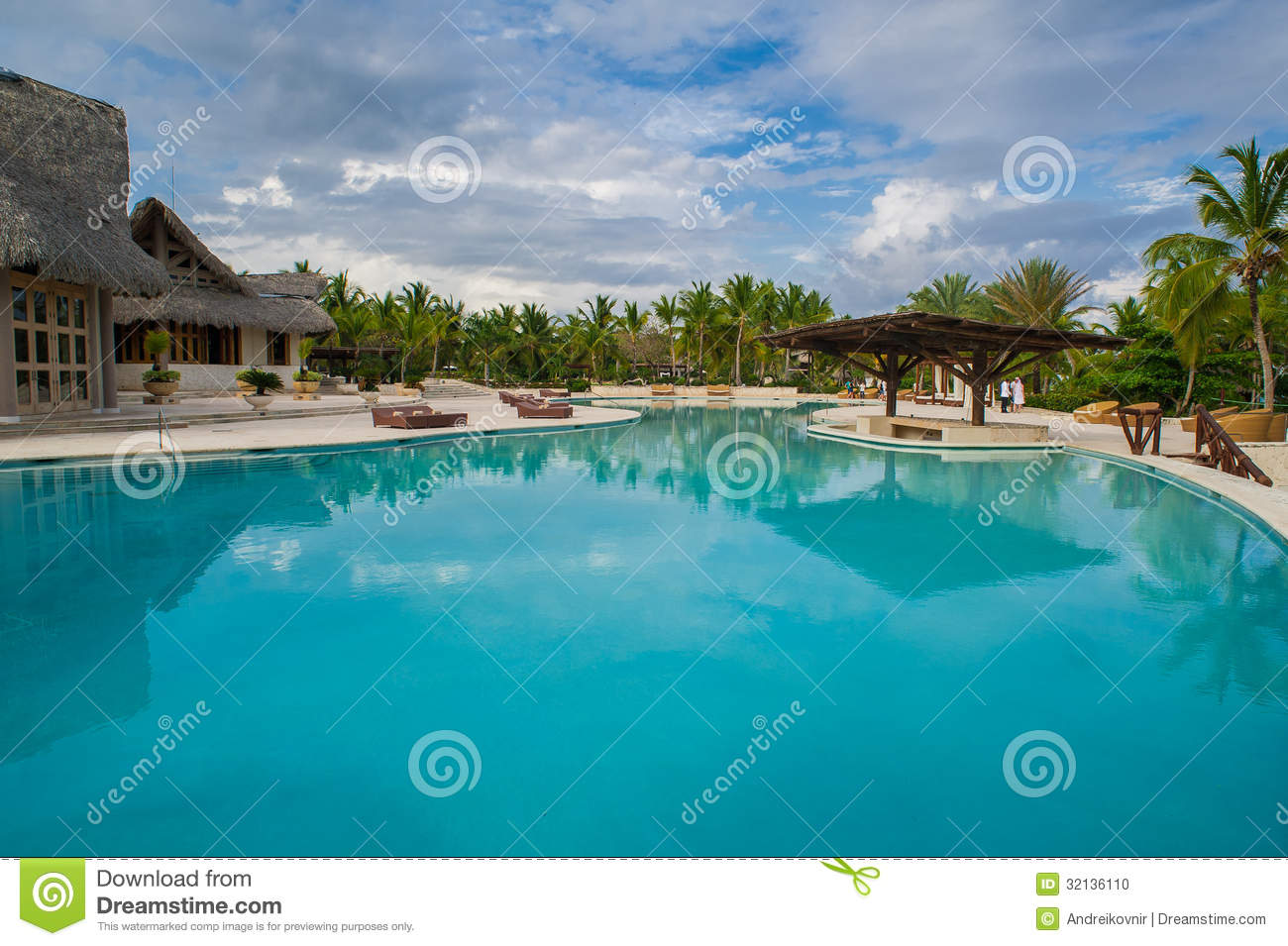 Outdoor resort pool swimming pool of luxury hotel - Where is my nearest swimming pool ...