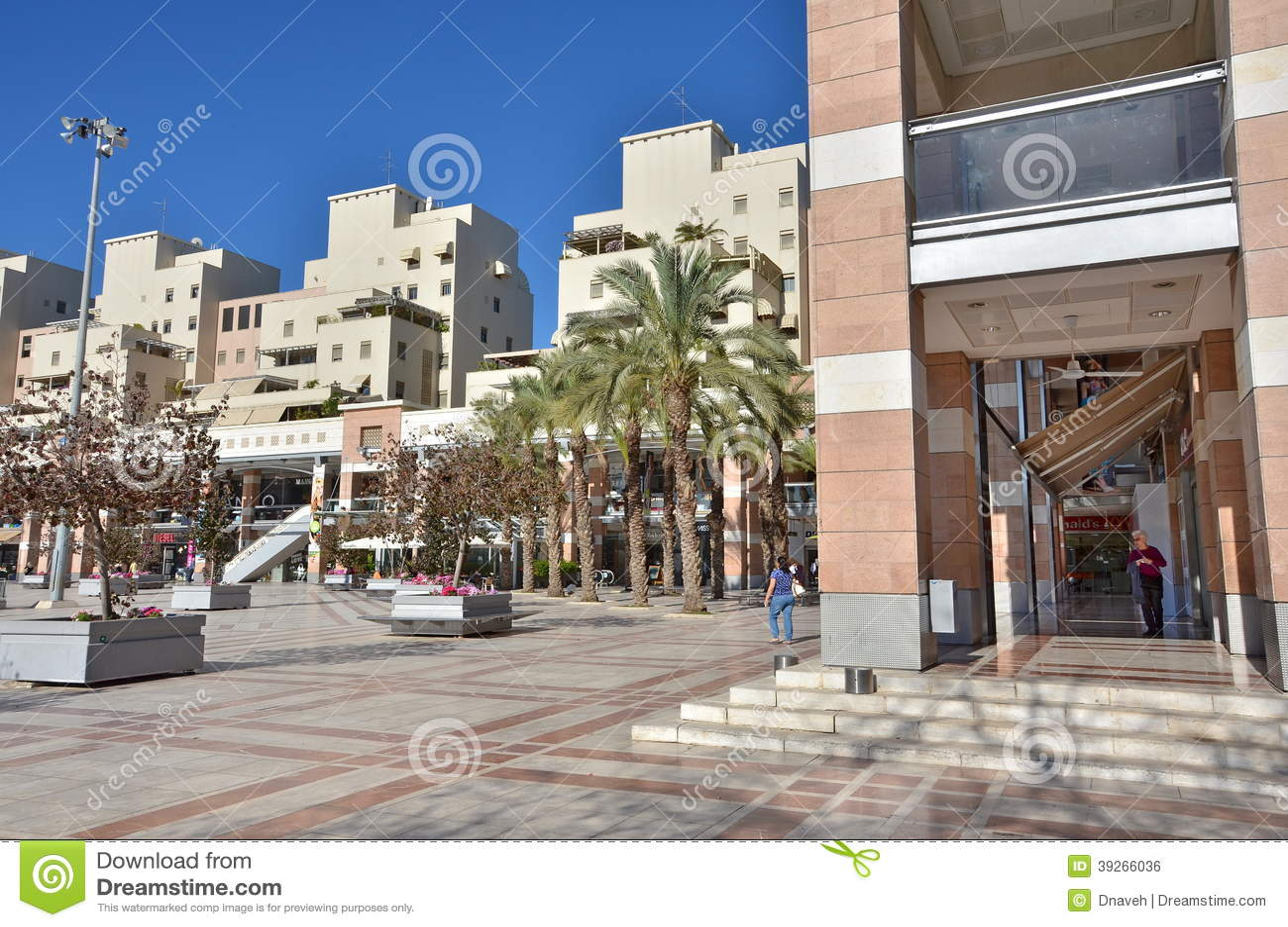 Israeli Fashion Shopping