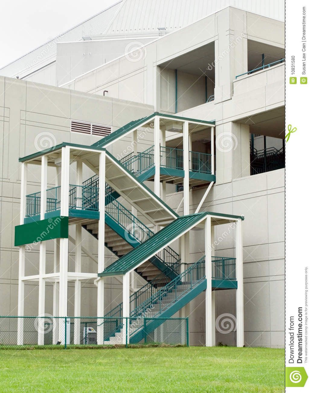 Outdoor stairway stock photo image 10831580 for Escaleras al aire