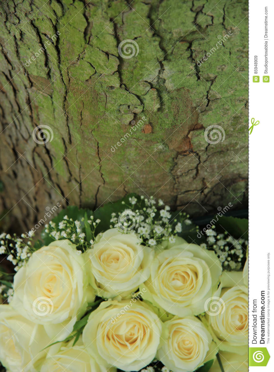 Outdoor Wedding Decorations: White Flowers Stock Image - Image of ...