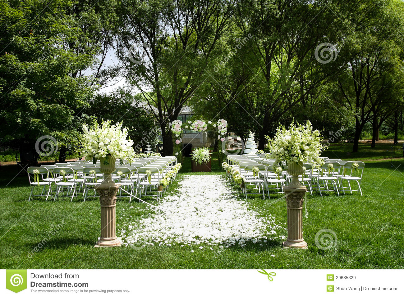 Outdoor Wedding Scene Royalty Free Stock Images - Image: 29685329
