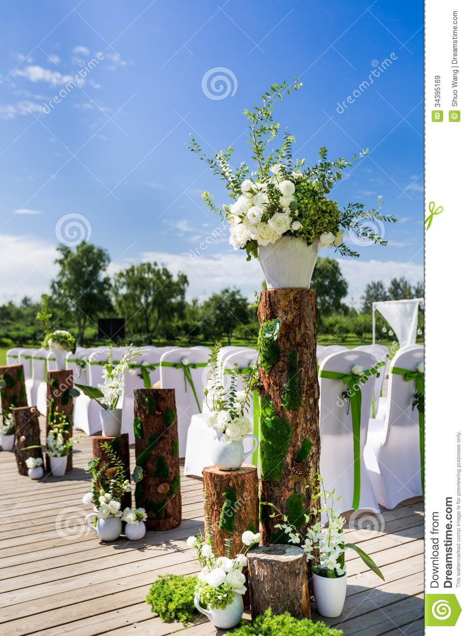 Outdoor Wedding Scene Stock Image Image Of Grass Beauty