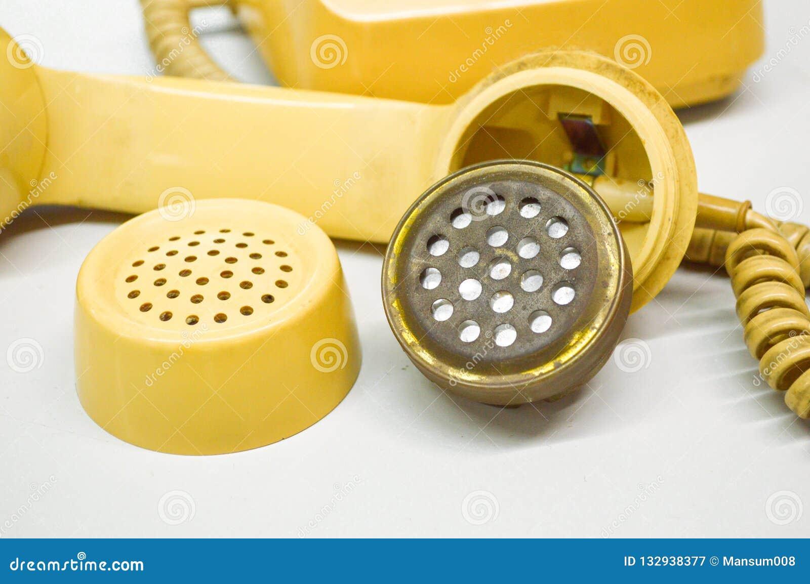 Outil de combiné de téléphone