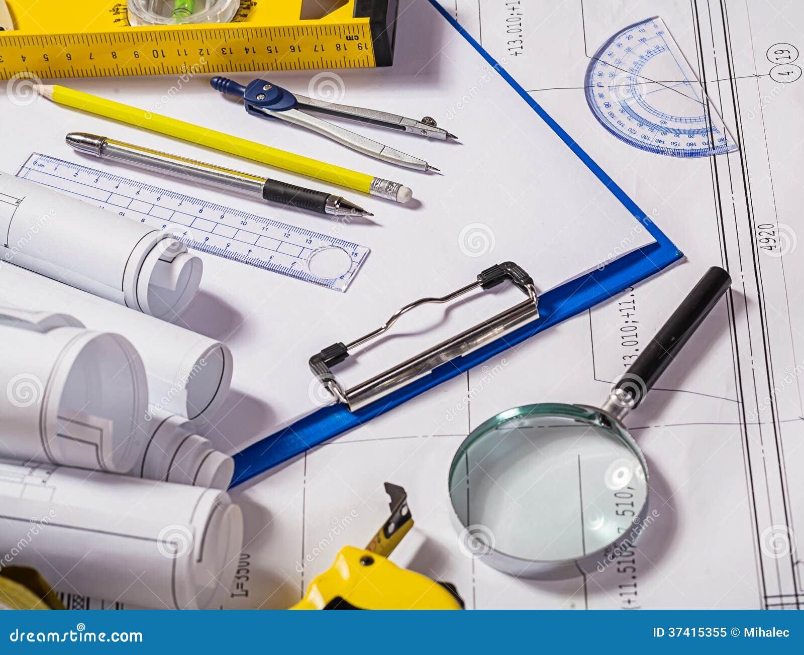 Outils d 39 architecte sur le mod le photo libre de droits for Outils architecte