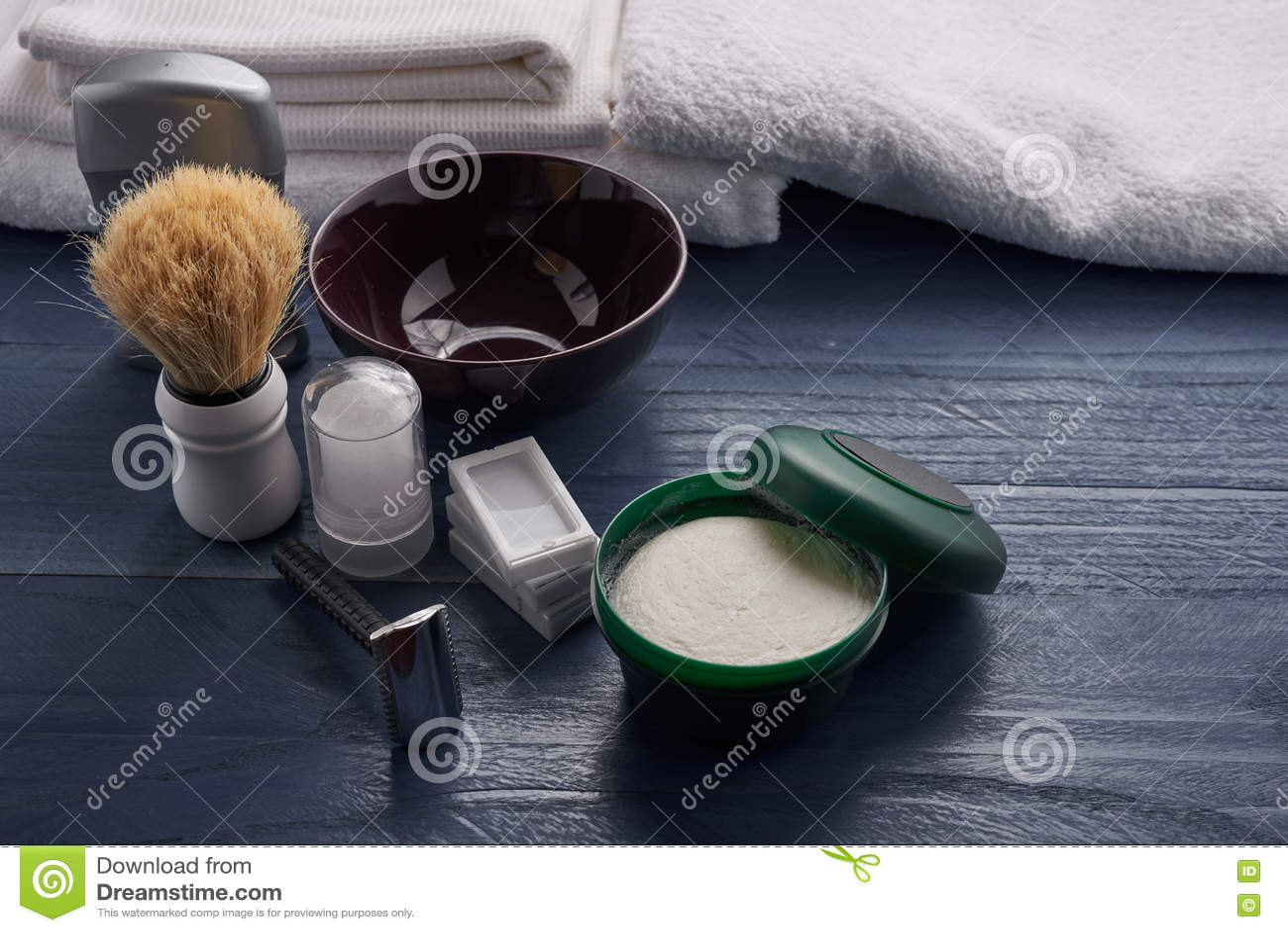 Outils pour le rasage masculin professionnel