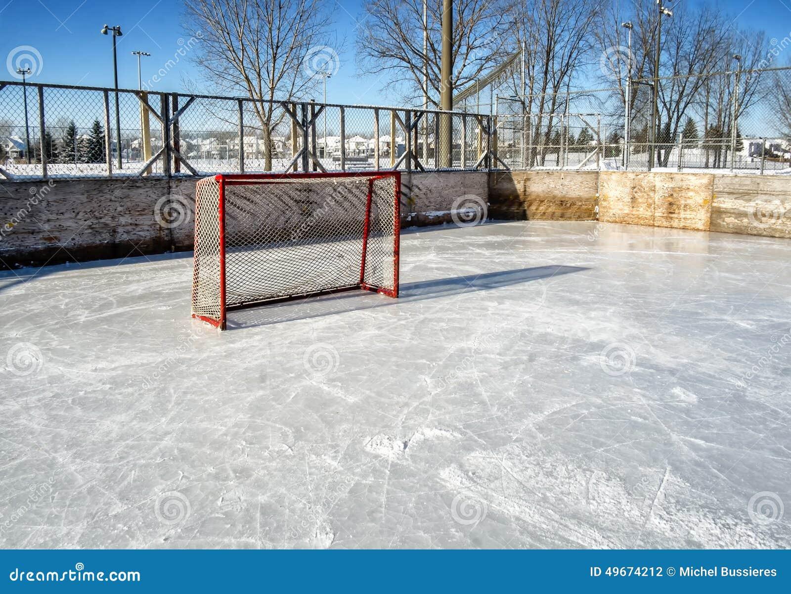 Outside hokejowy lodowisko