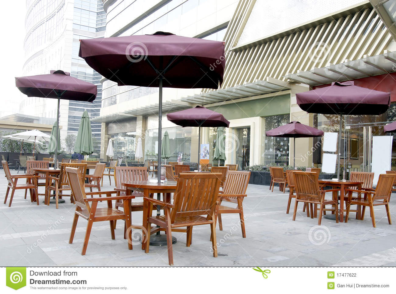 OUTSIDE RESTAURANT Stock Photography - Image: 17477622