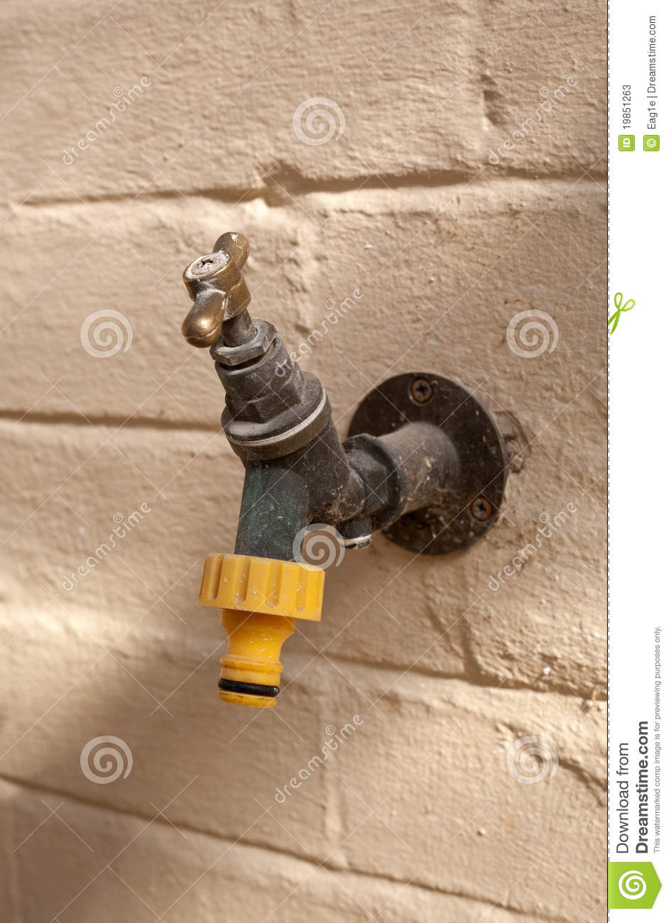 how to put a water tap outside