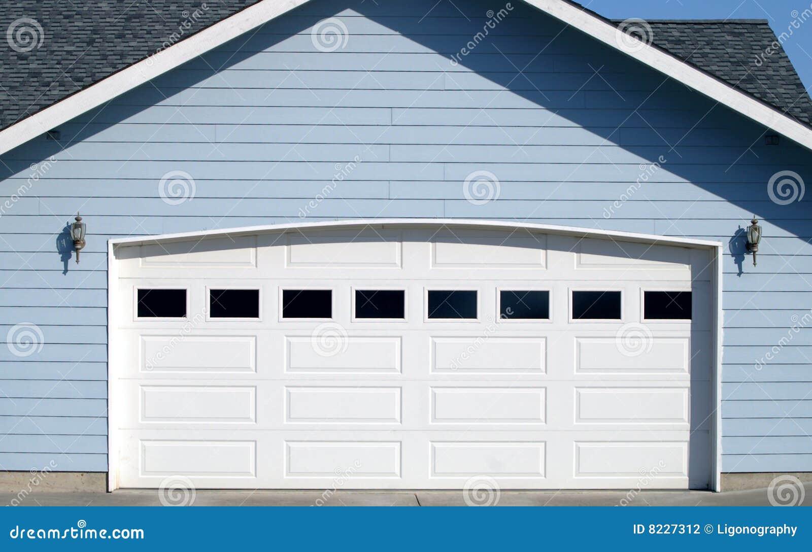 Ouverture arqu e de trappe de garage for Ouverture de garage