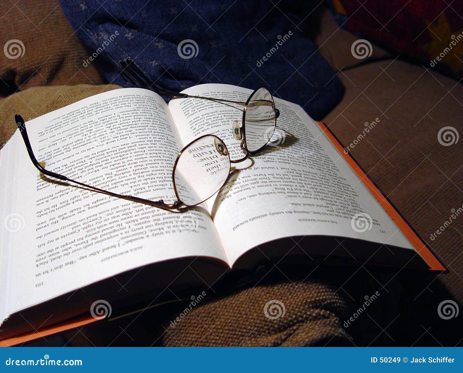 Download Ouvrez le livre image stock. Image du affaires, roman, espace - 50249