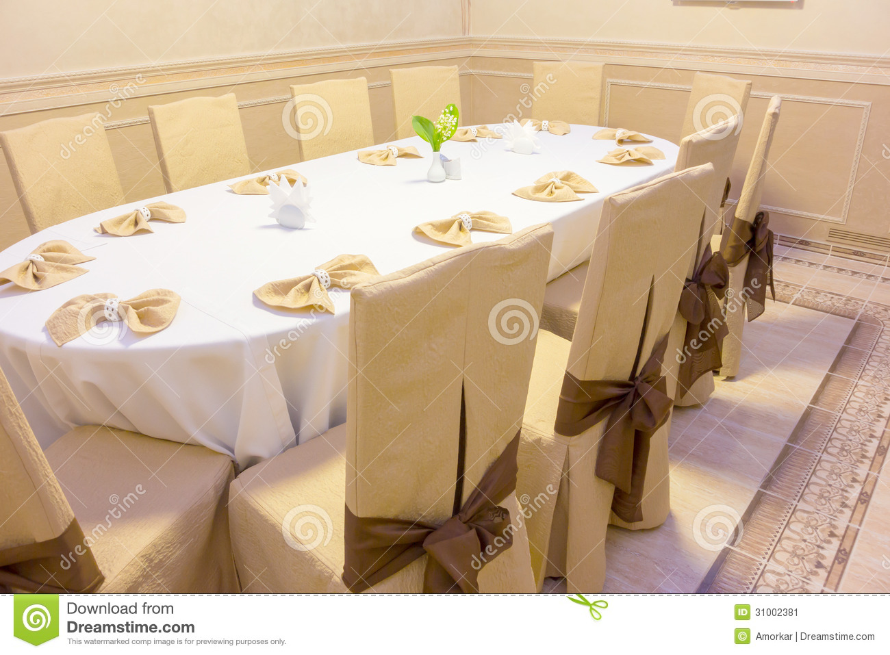 Oval Banquet Table Stock Image Image 31002381