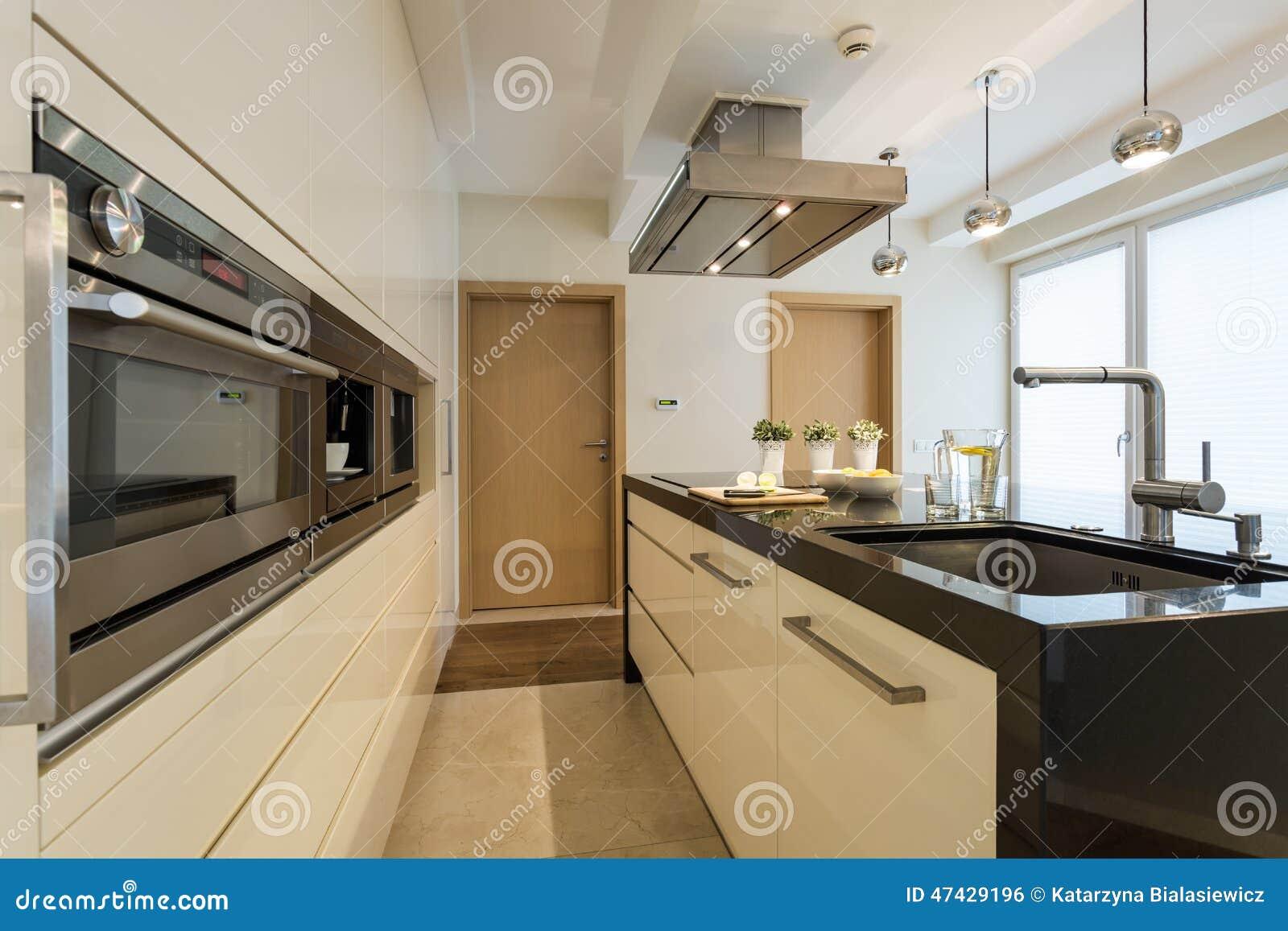 Oven housing unit