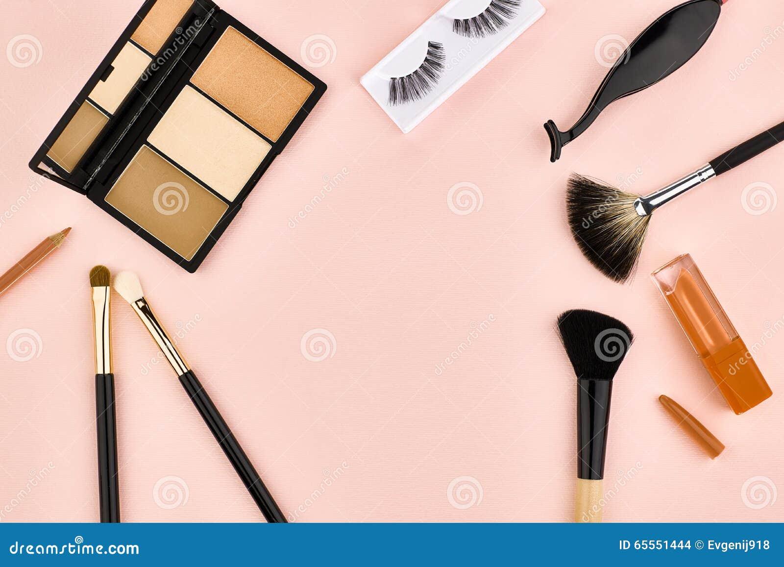 Overhead Set, Fashion Woman Essentials Cosmetics Stock