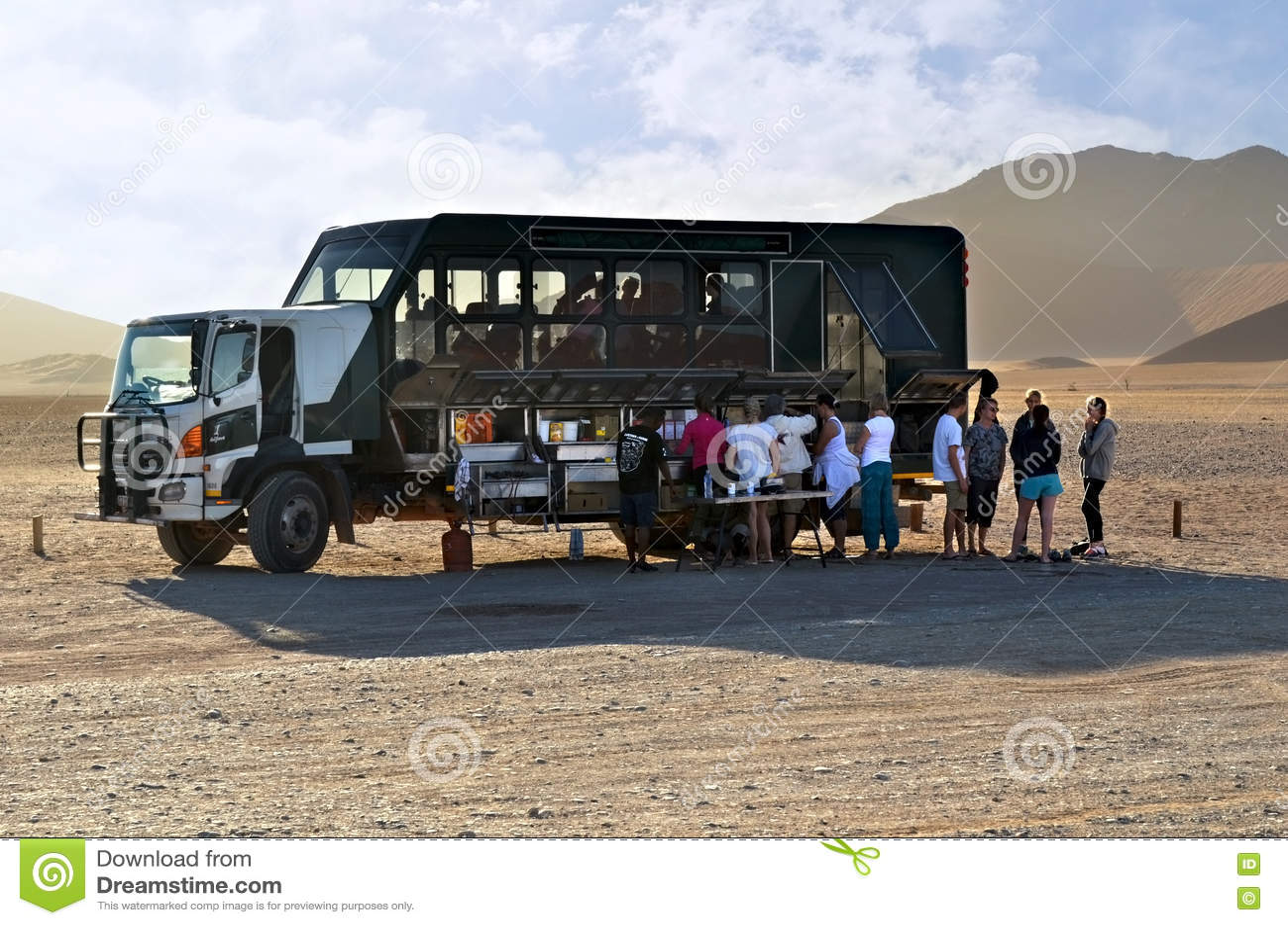 Overlanding在纳米比亚,非洲