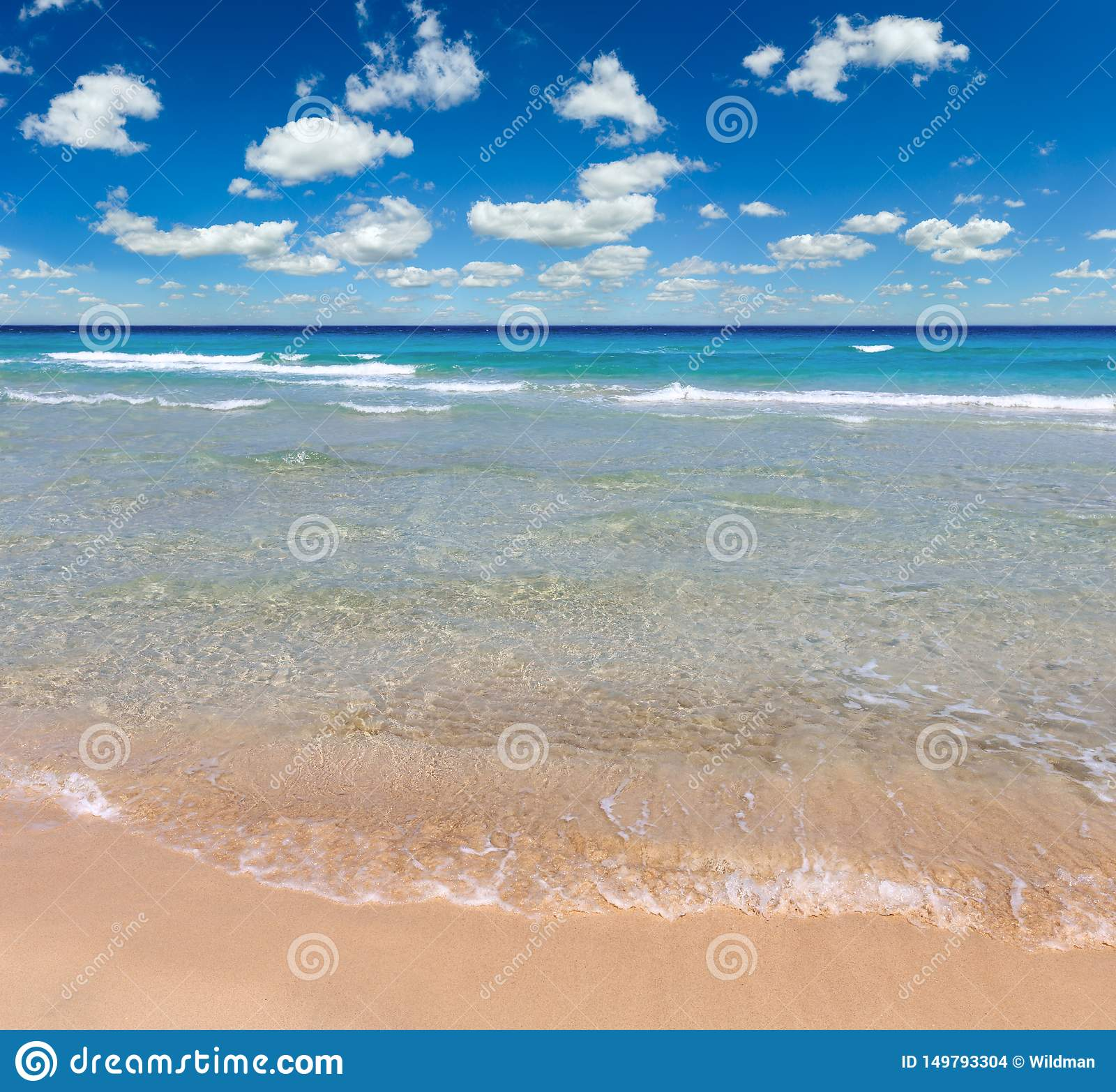 Overzeese branding op strand