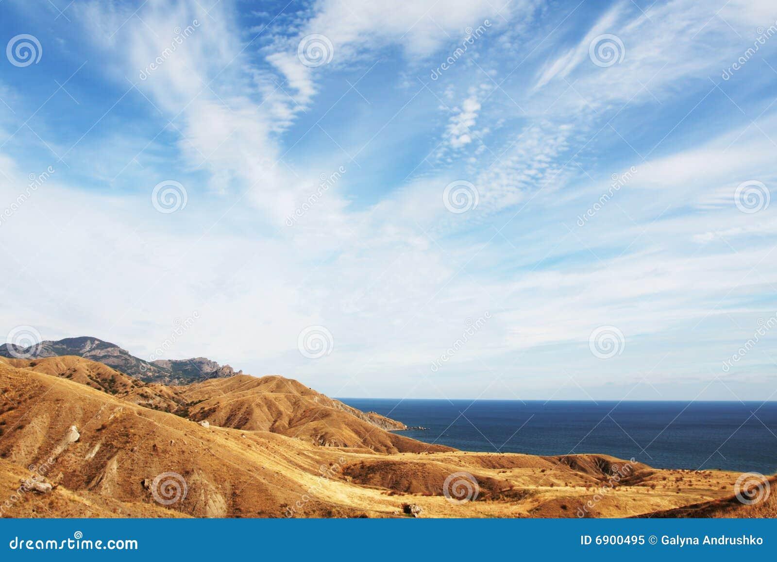 Overzeese kust in de Krim
