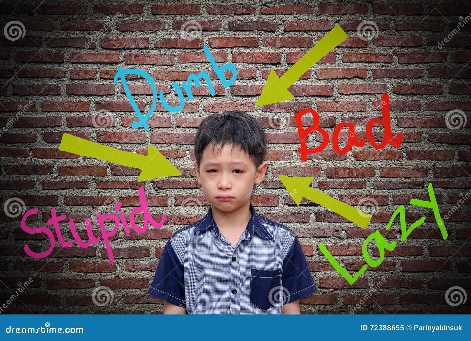 Ovettiga ord som göras ont på väggen