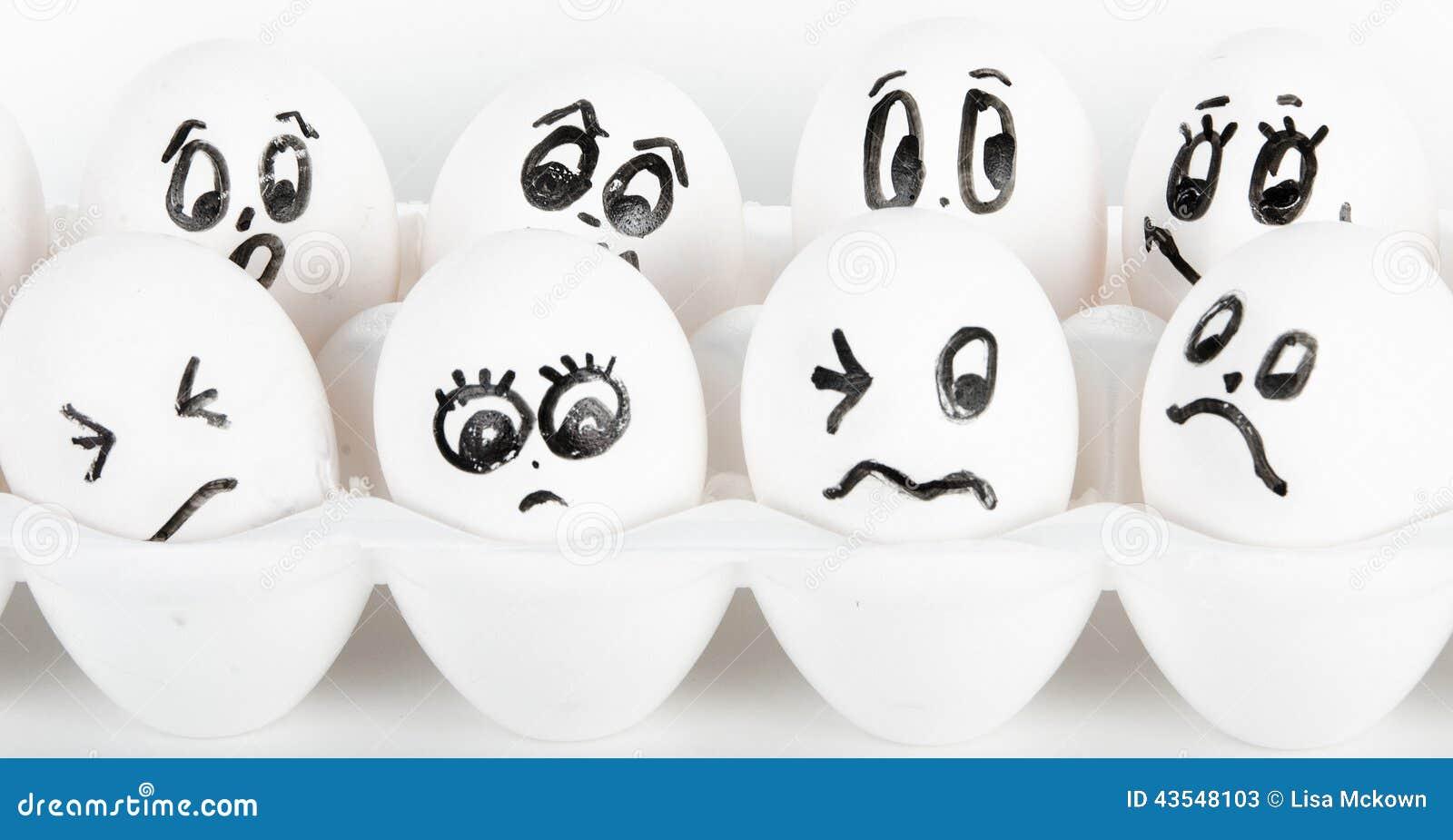 Ovos com faces