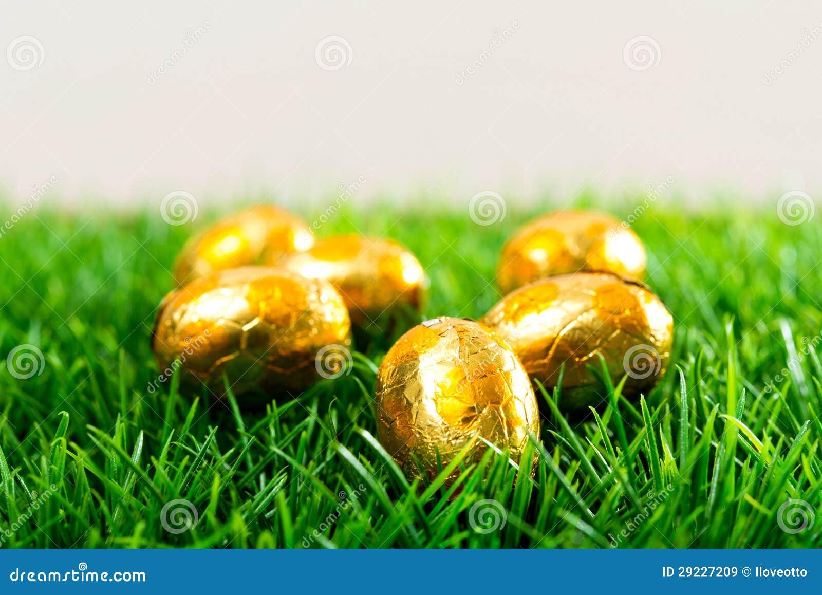 Download Ovos da páscoa imagem de stock. Imagem de espaço, céu - 29227209