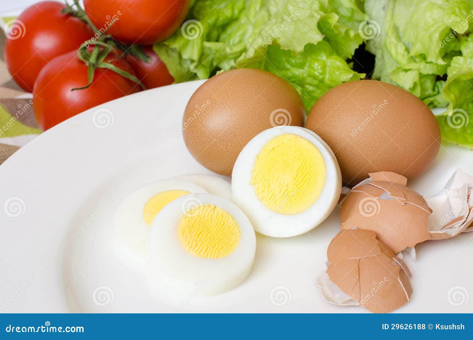 Ovos fervidos com vegetais