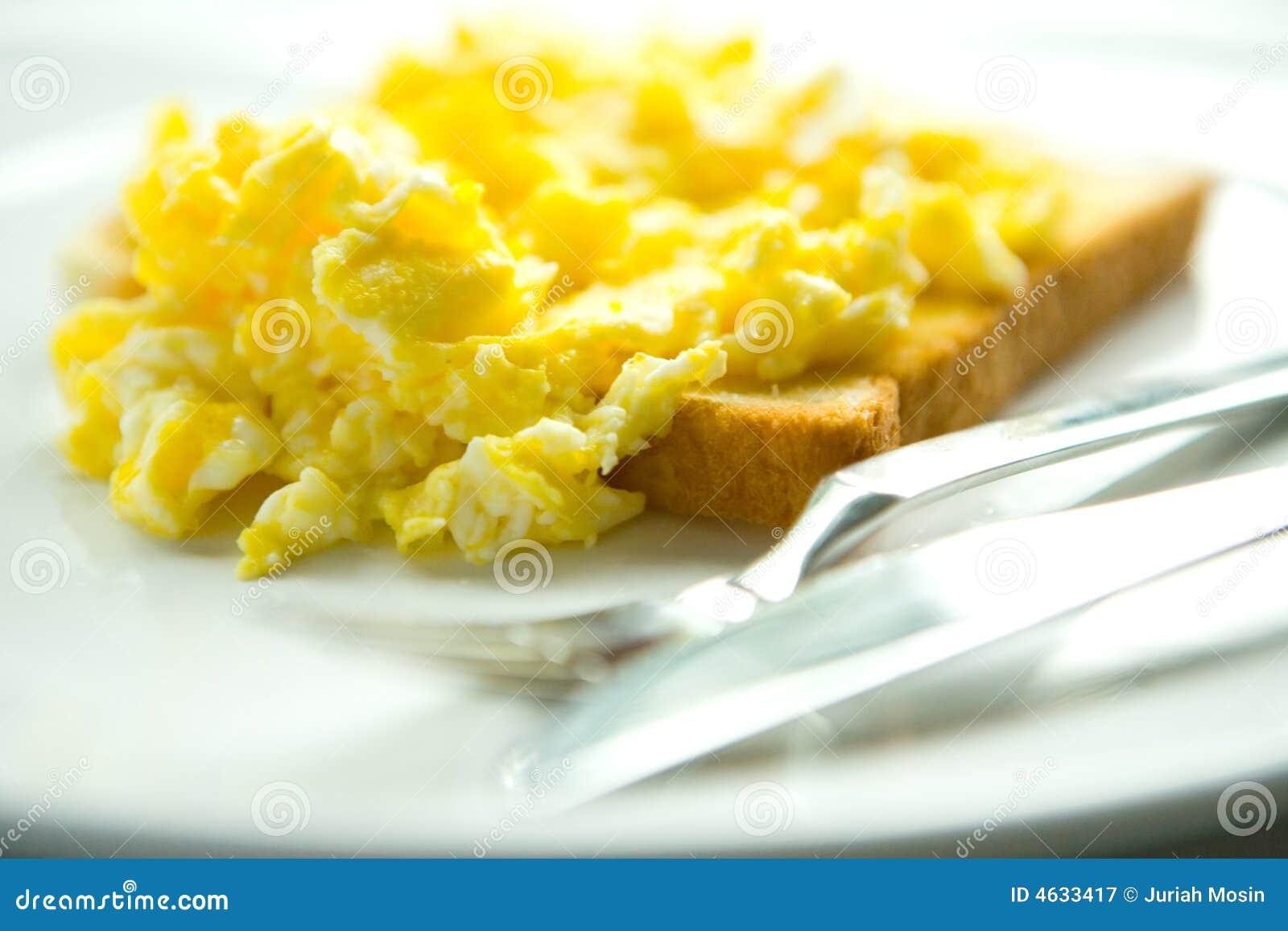 Ovos Scrambled no brinde
