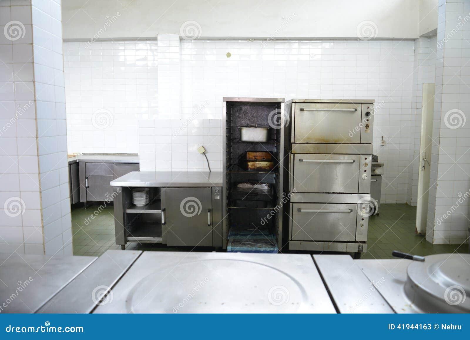 Owen in Restaurant kitchen stock image. Image of kitchener - 41944163