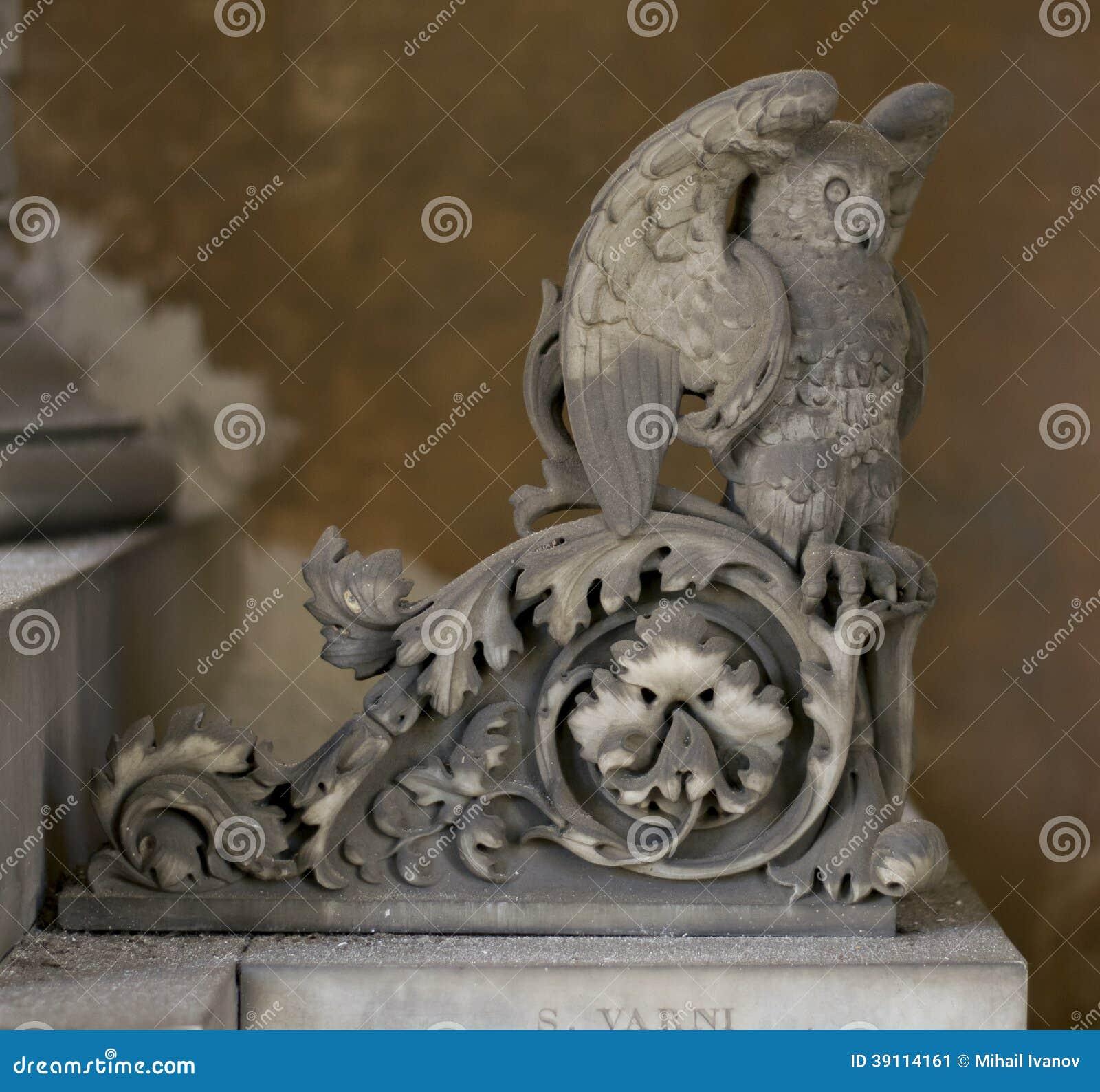 Owl Statue (abstract elementenpatroon)
