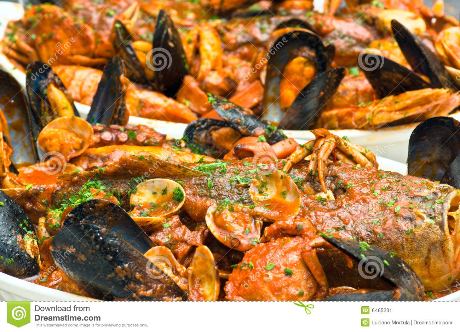 Owoce morza włoskiej zupy