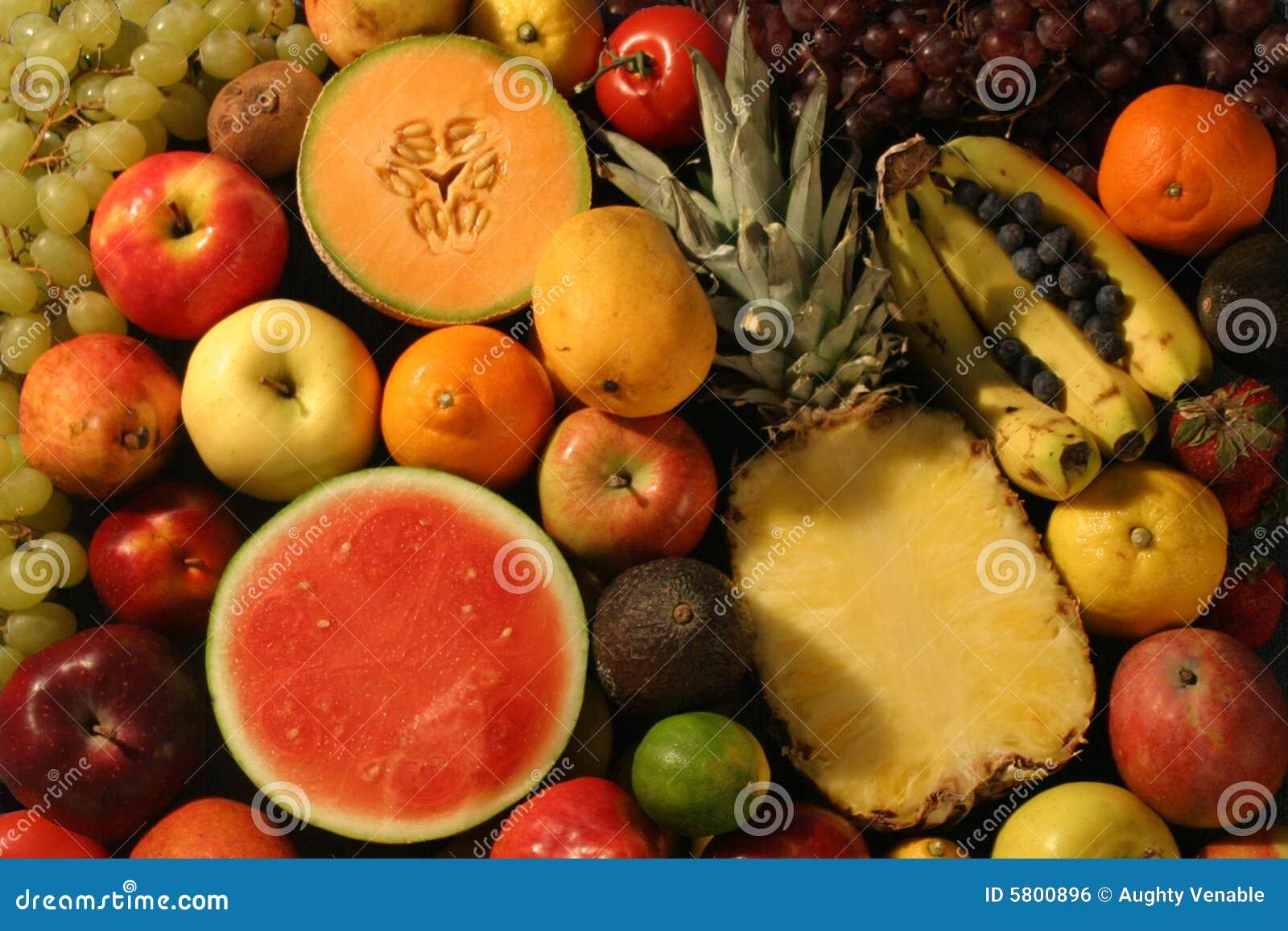 Owoce w plastrach cały