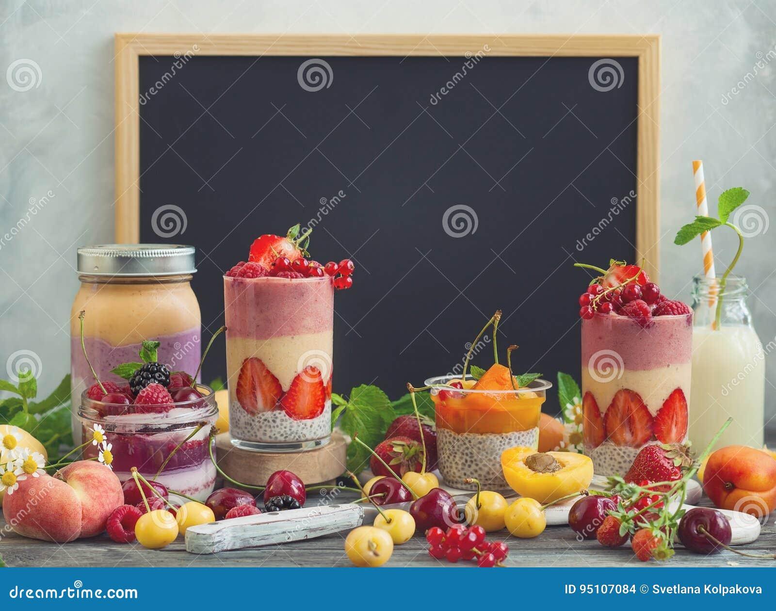 Owocowy jagodowy smoothie