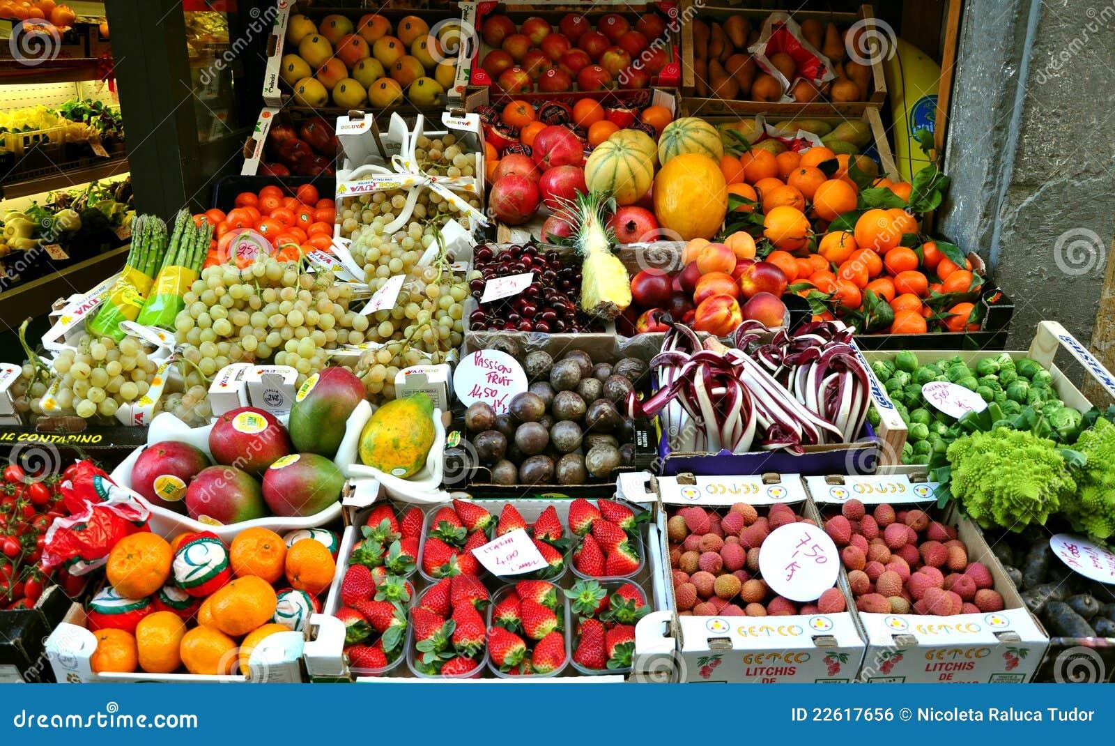 Owocowy organicznie Italy targowy