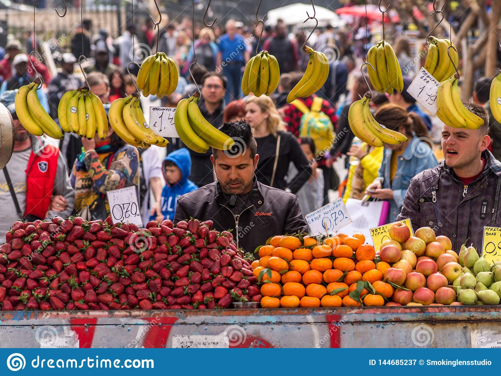 Owocowy sprzedawca