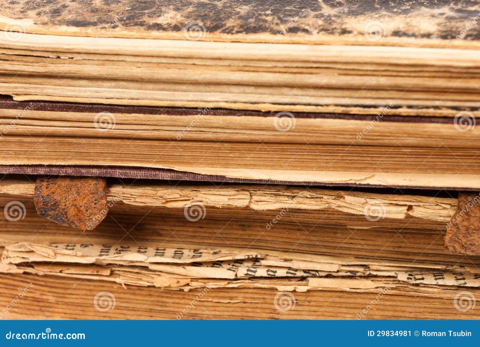 Páginas de papel dos livros velhos