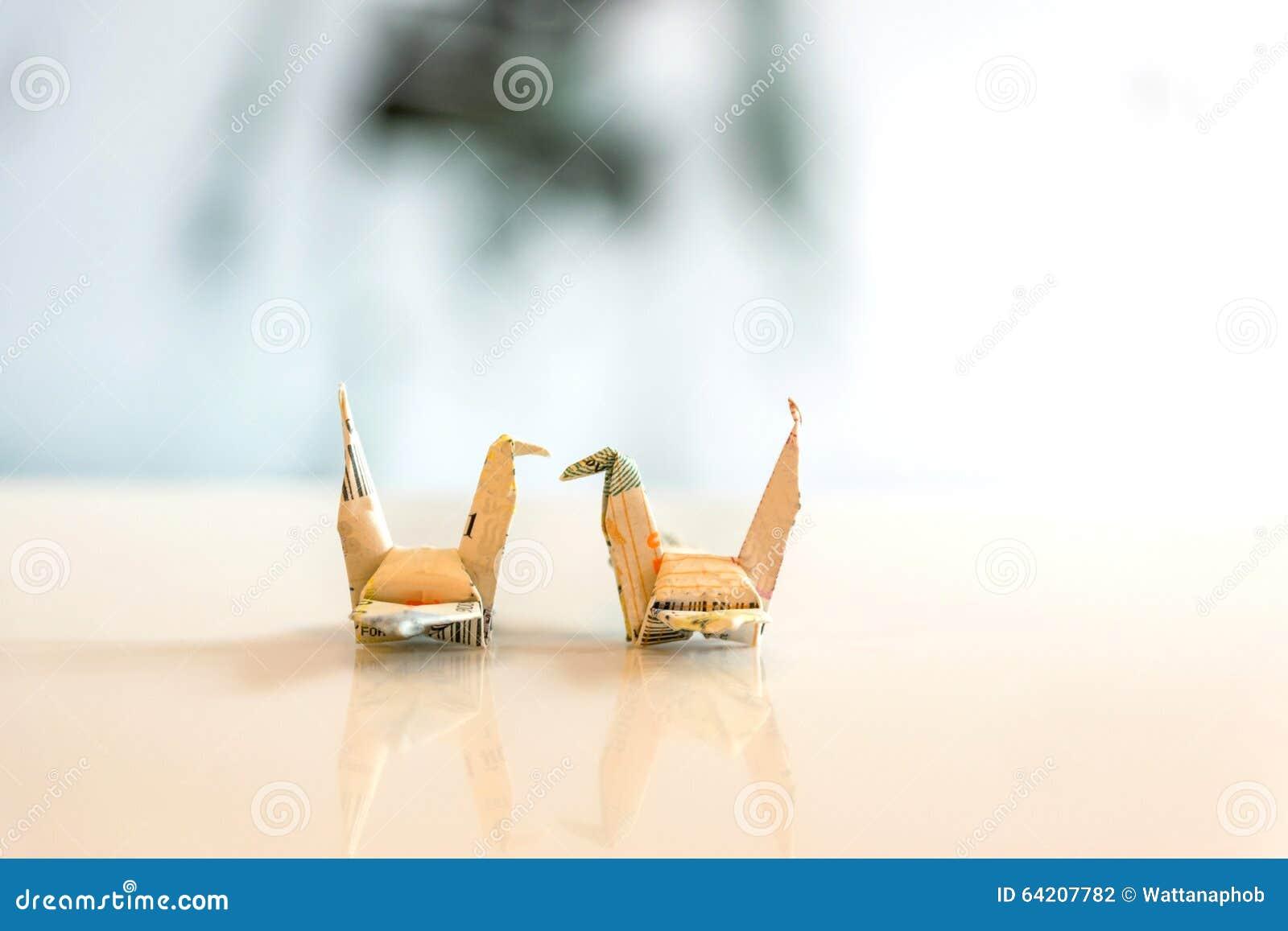 Pájaro de papel hermoso