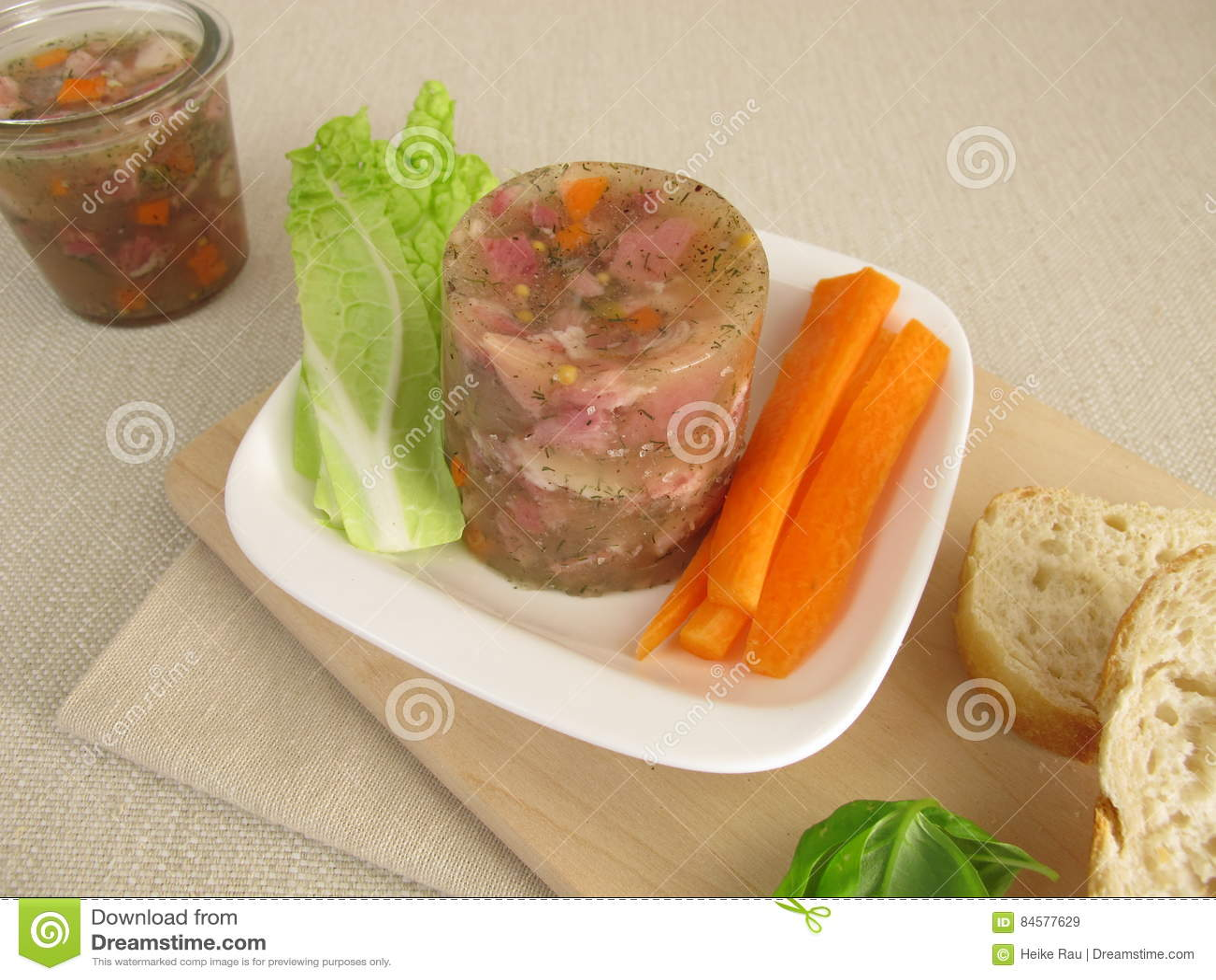 Pate De Cochon Fait Maison Avec De La Salade Image Stock Image Du Choc Salade 84577629