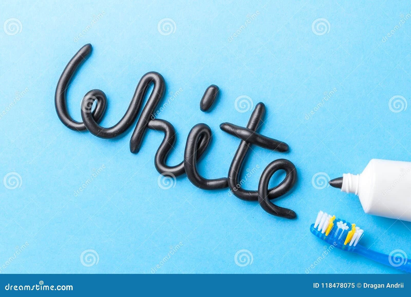 Pâte dentifrice noire de charbon de bois pour les dents blanches Exprimez le BLANC de la pâte dentifrice, du tube et de la brosse