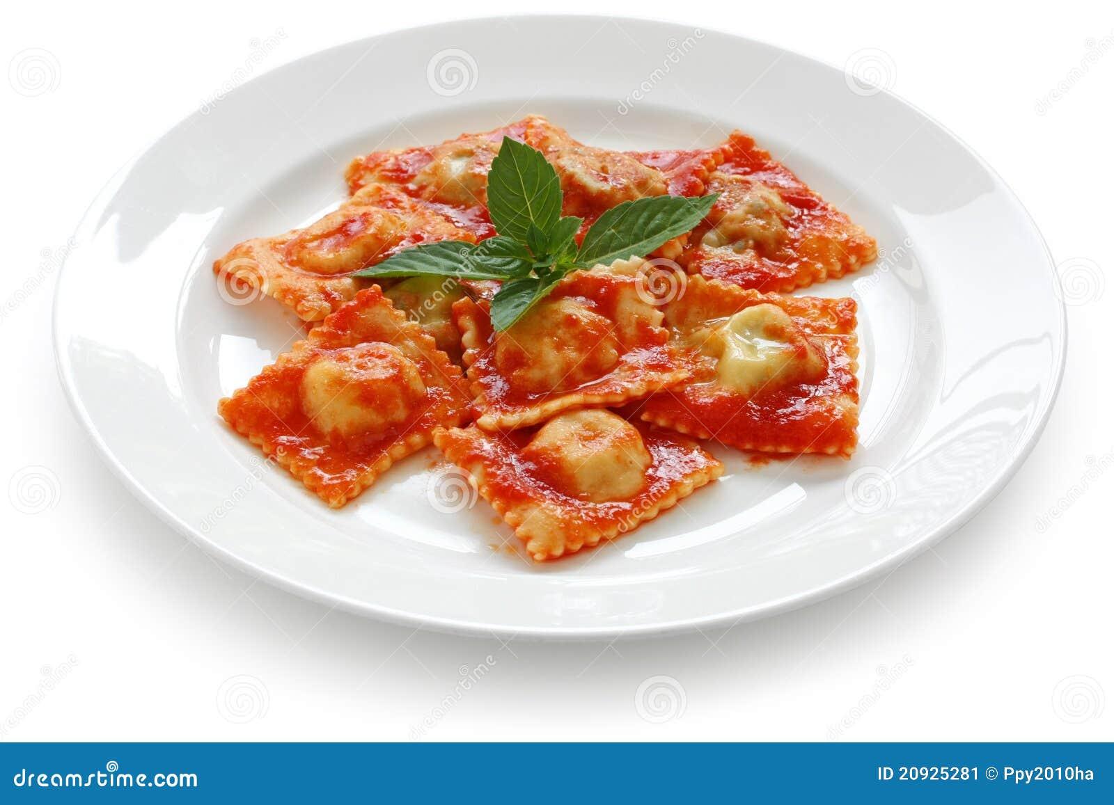 p tes de ravioli avec la sauce tomate nourriture italienne image stock image 20925281. Black Bedroom Furniture Sets. Home Design Ideas