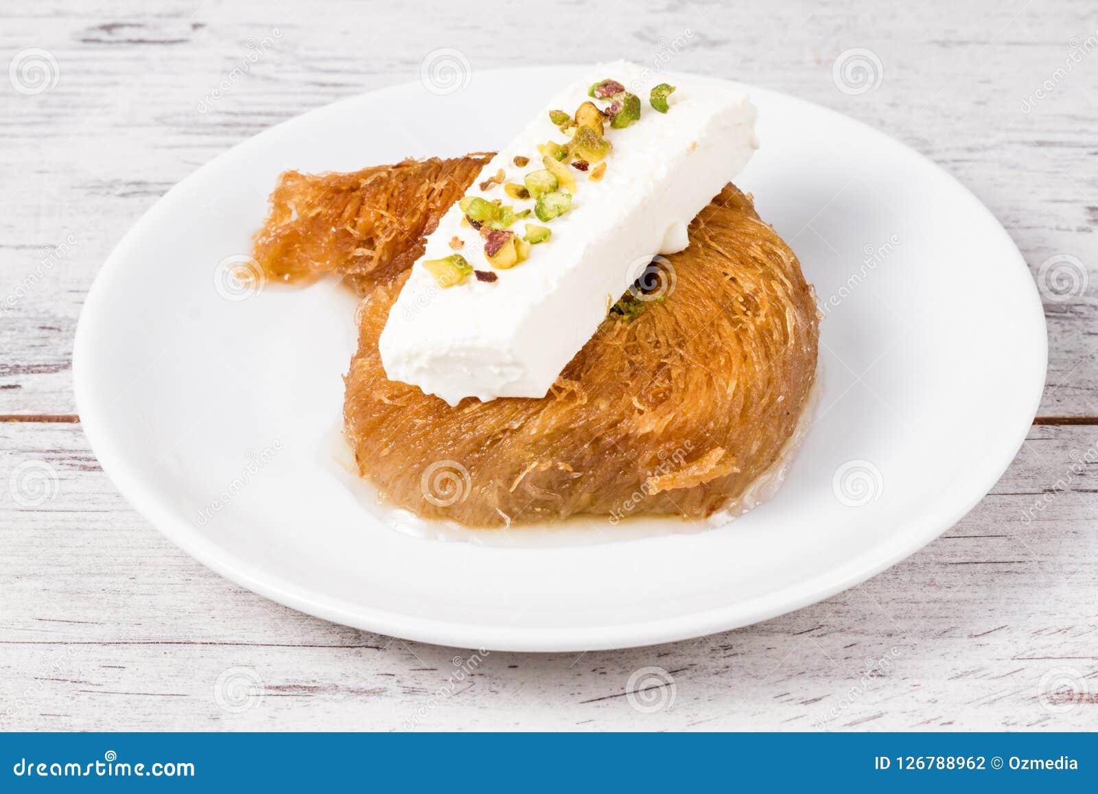 Pâtisserie crémeuse douce de style turc, Kadayif