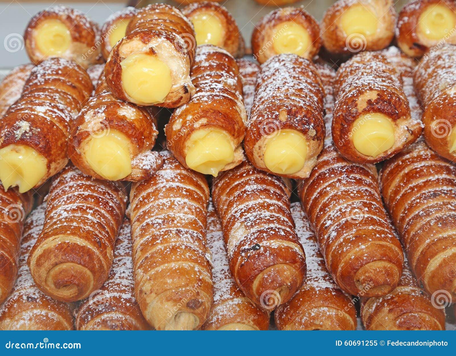 Cuisine Anglaise Typique Ju0027ai Toujours Dans Mes Placards Un Pot De Golden Syrup Ce Sirop De