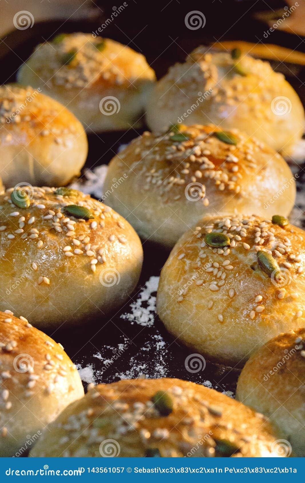 Pão fresco no forno