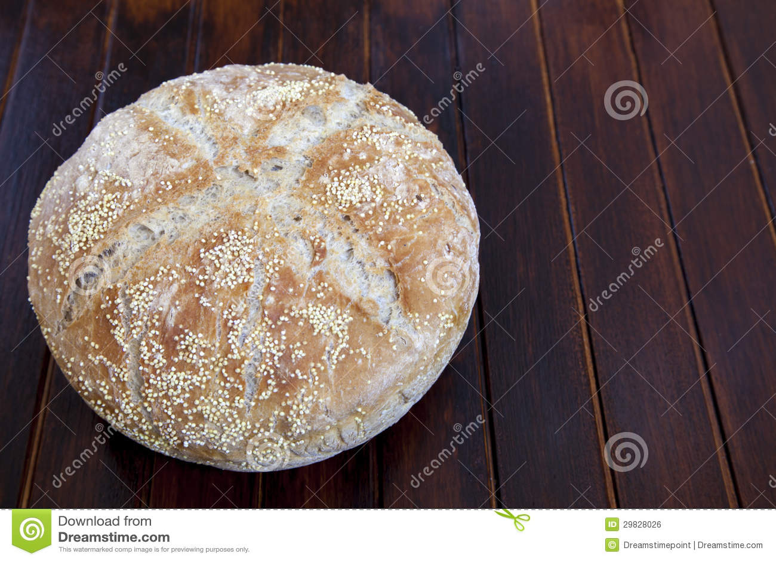Pão orgânico com várias sementes