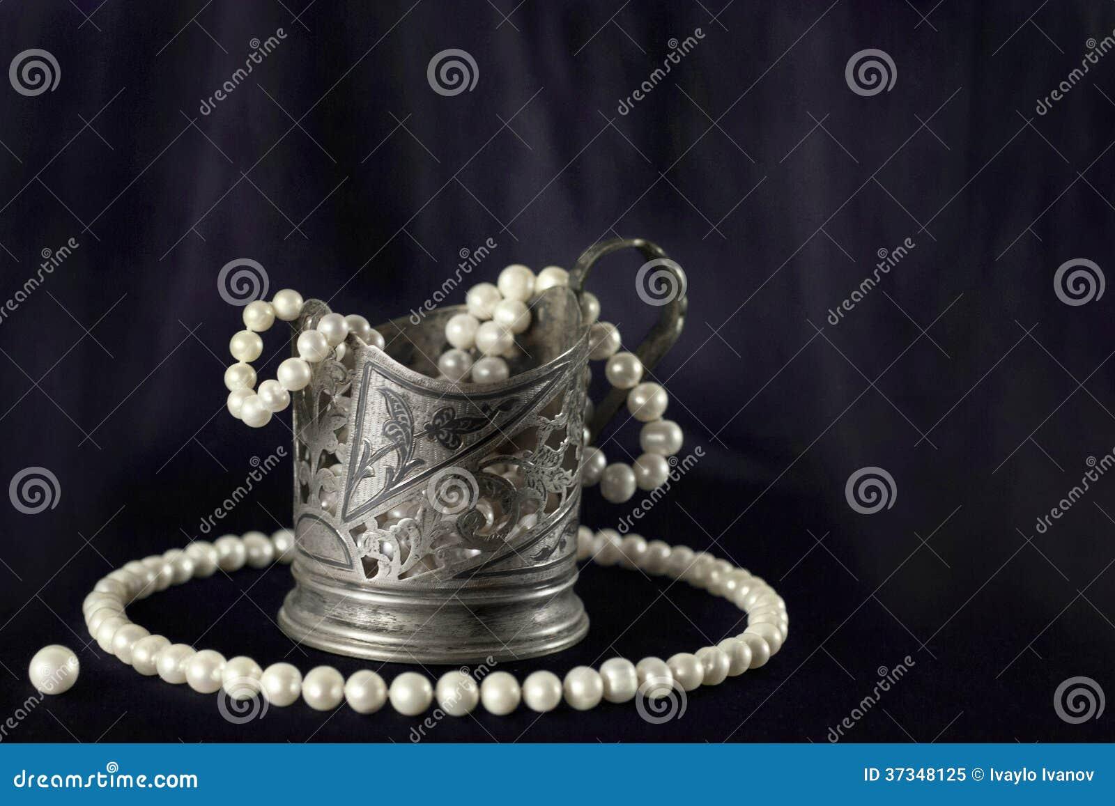 Pärlemorfärg halsband för vit och silverkopp