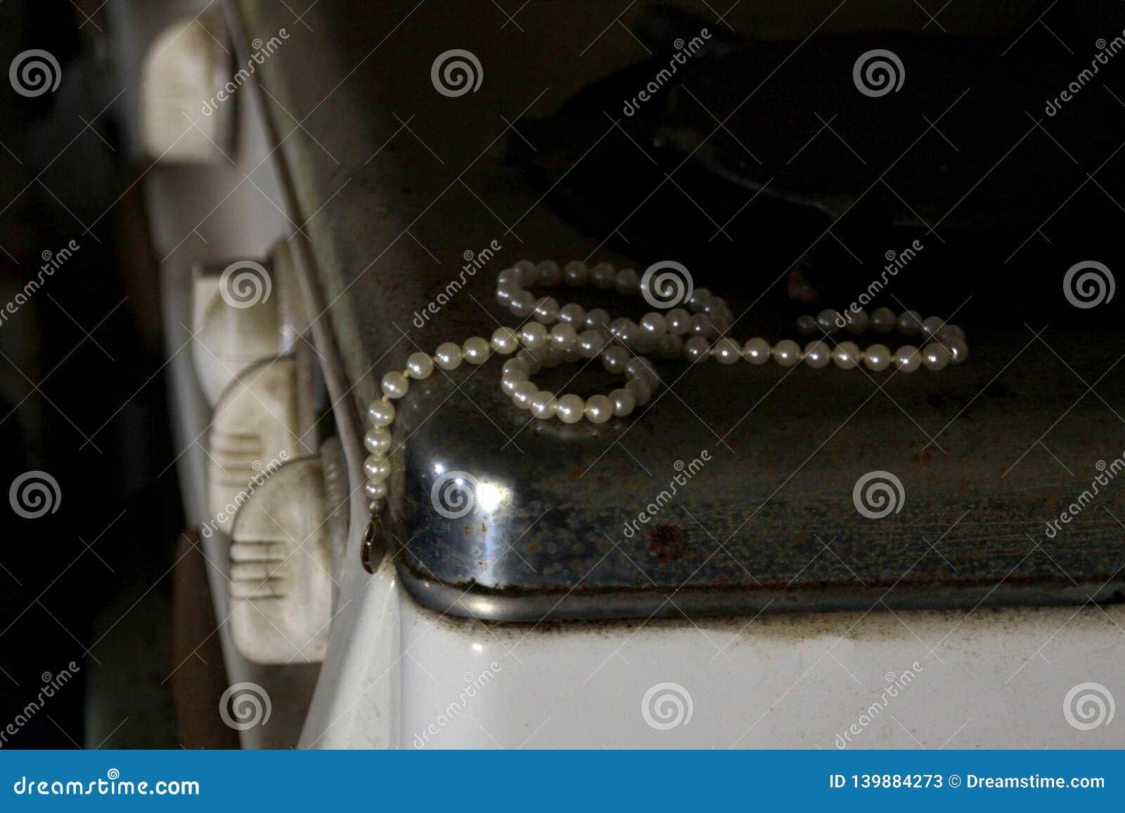 Pärlor på den antika ugnen