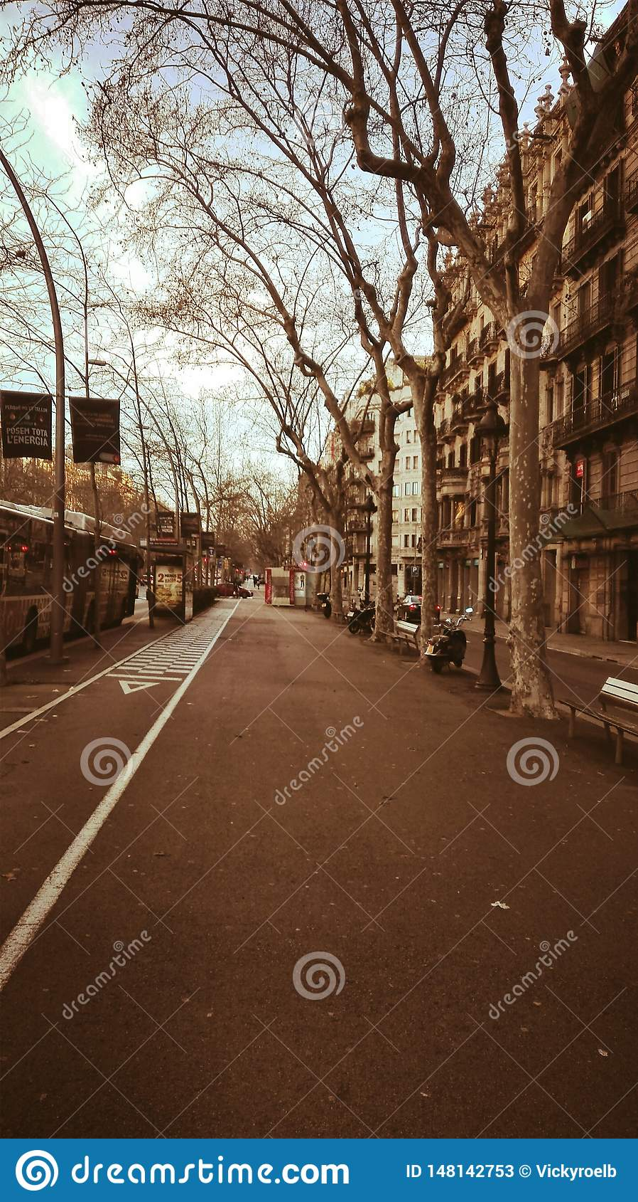 På en isolerad gata i Barcelona