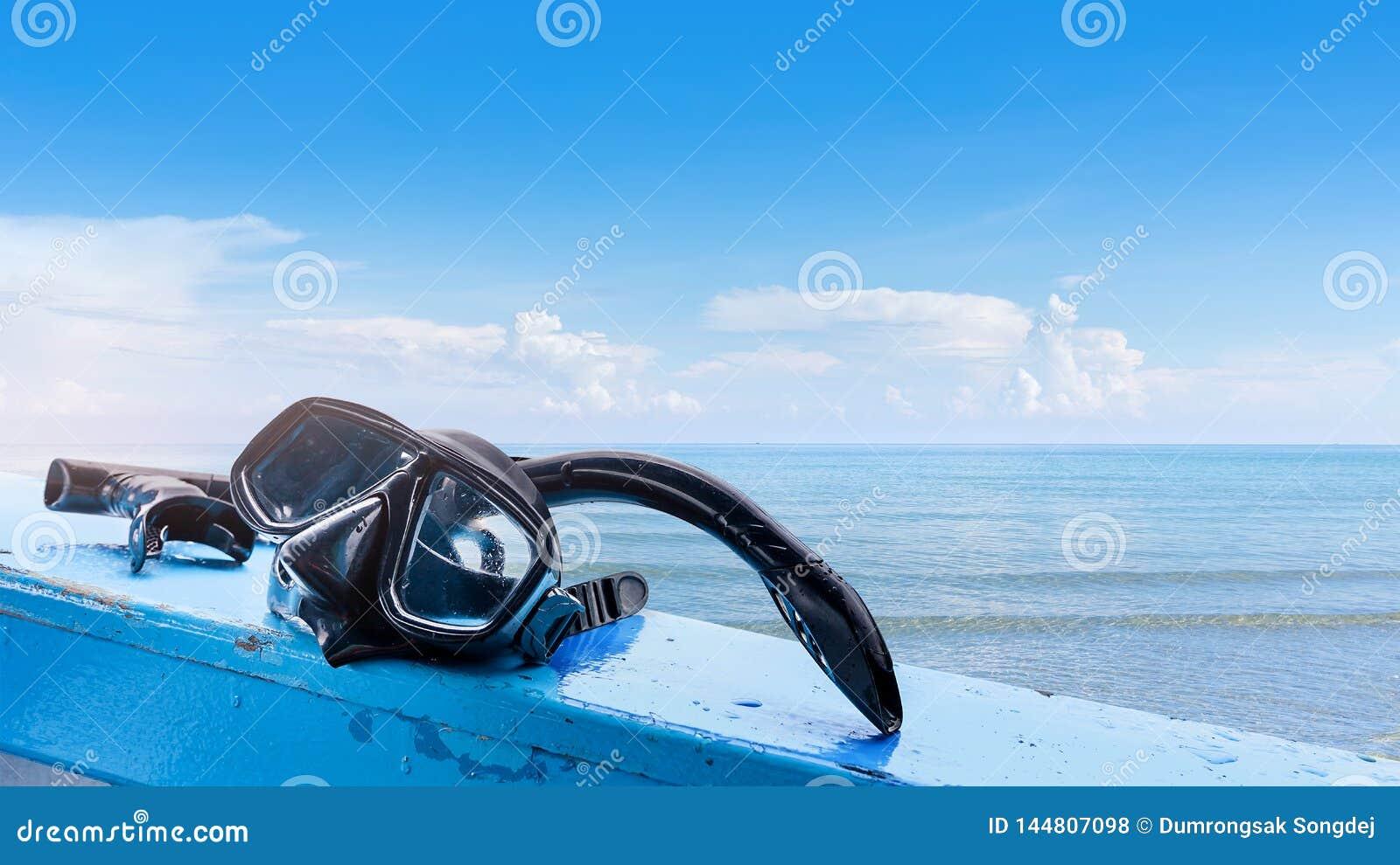 PÃ¥lagd snorkelmaskering sidan av att resa fartyget
